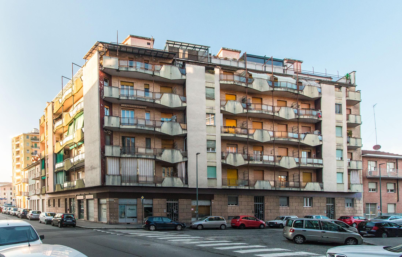 Cinque locali: Via Crimi, 1, Lucento, Torino