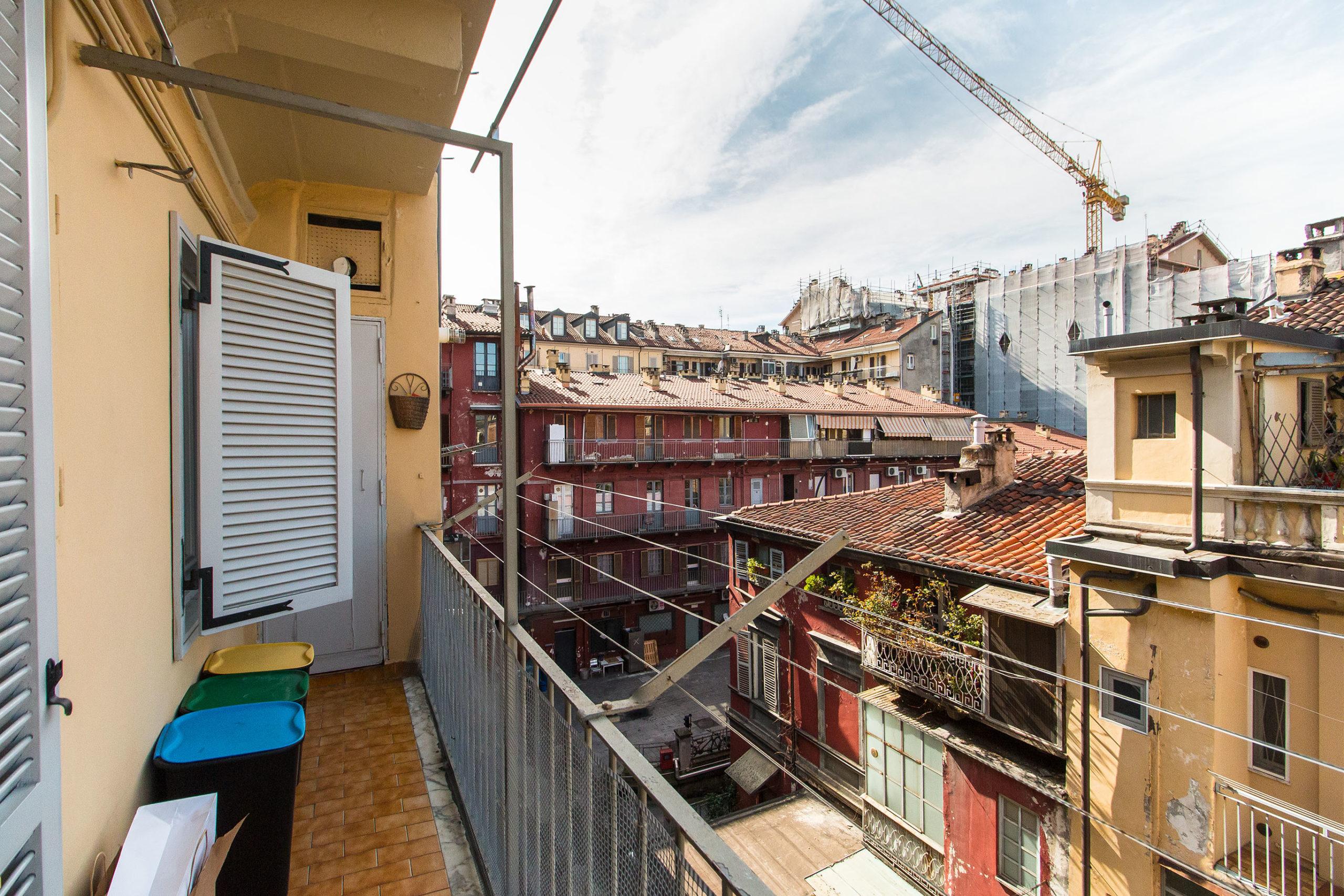 Pentalocale: Via San Francesco da Paola, 44, Centro, Torino