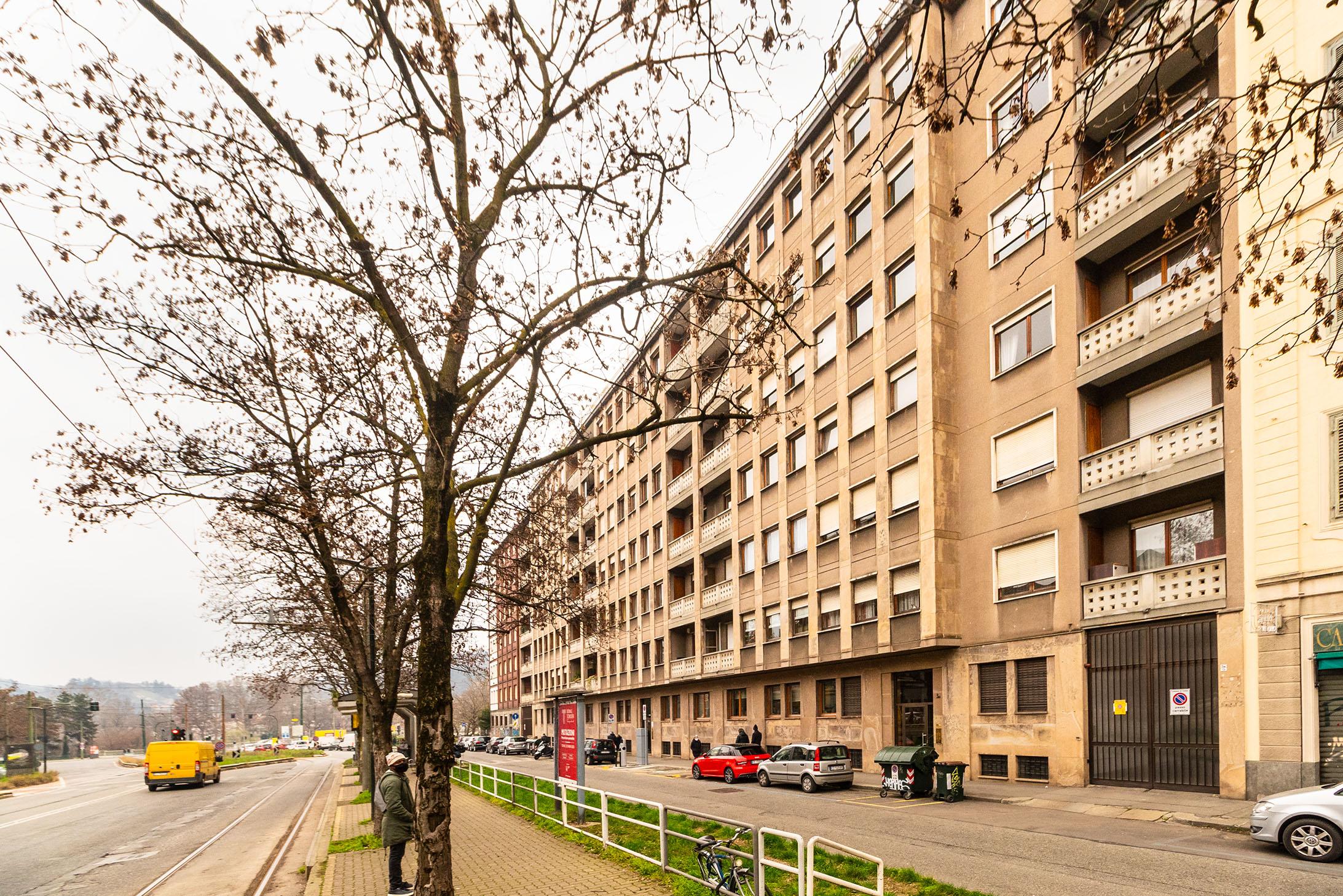 Plurilocali: Corso Regina Margherita, 3 bis, Vanchiglia, Torino